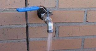 Sacar toma de agua para riego del huerto urbano
