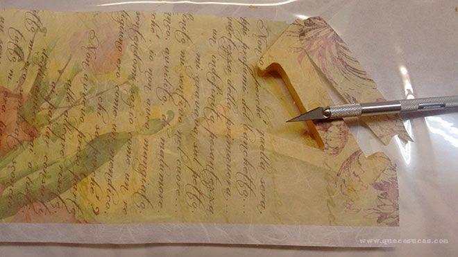 papel de arroz en letras de madera
